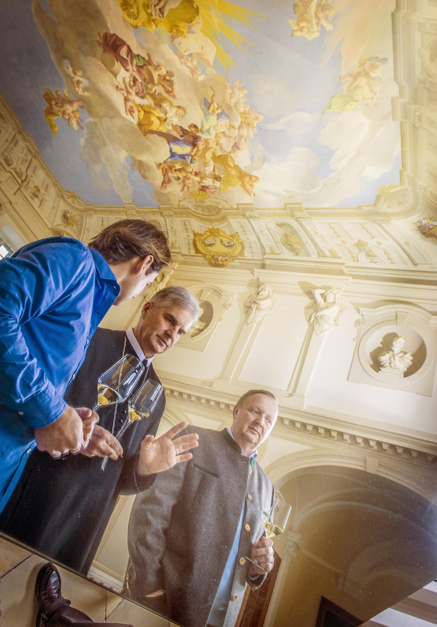 Weindegustation Abt Columban Luser O.S.B. mit Herrn Gansberger und Herrn Miesbauer im Stift Göttweig / FC: Robert Herbst / Stift Göttweig