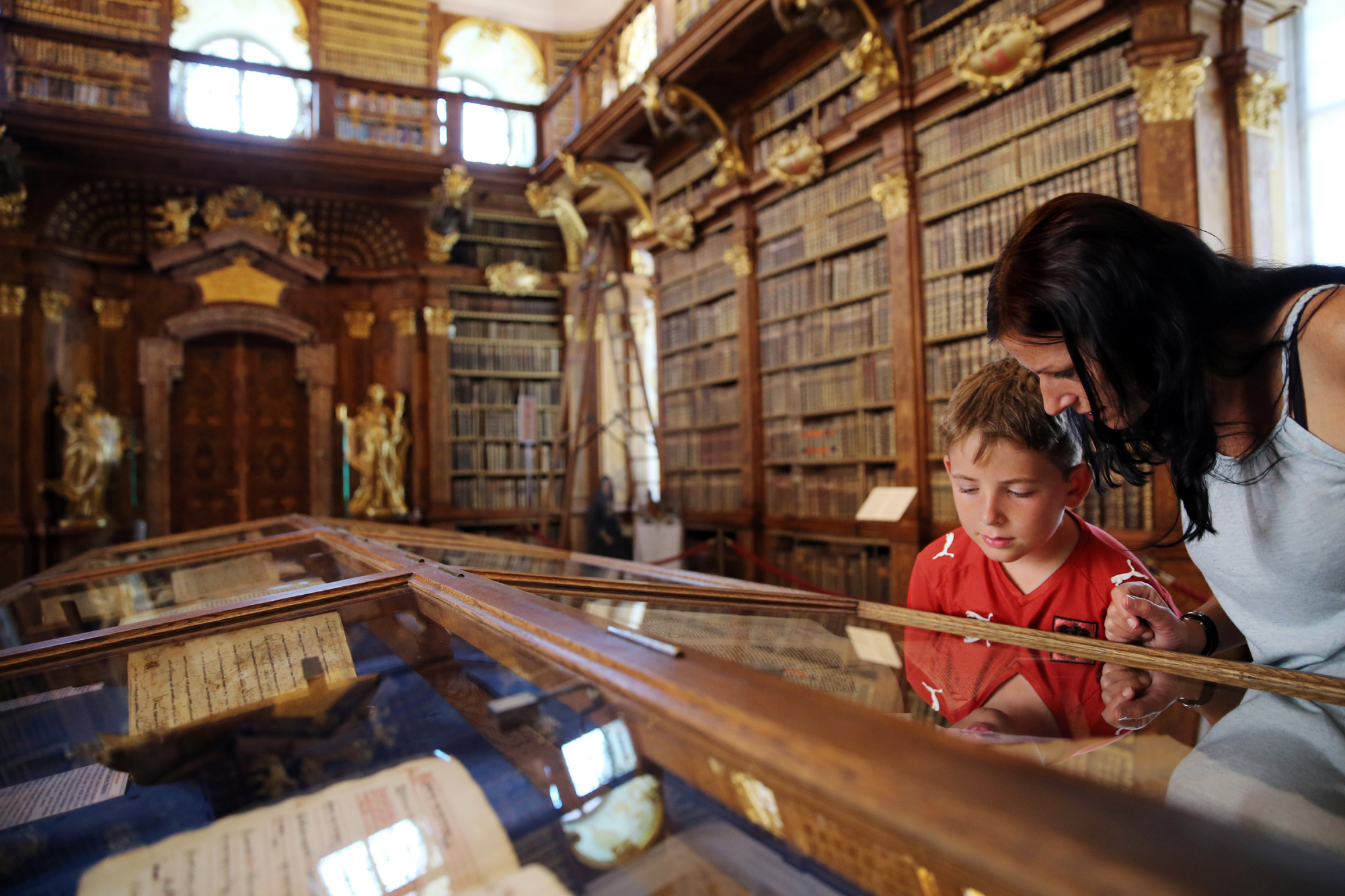 Besuch in der Stiftsbibliothek Melk - Foto: Franz Weingartner/Weinfranz.at
