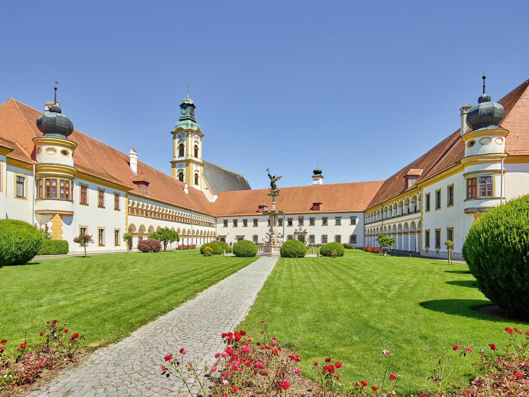 Stiftsgarten des Stiftes Reichersberg / Foto: www.predagrafie.de